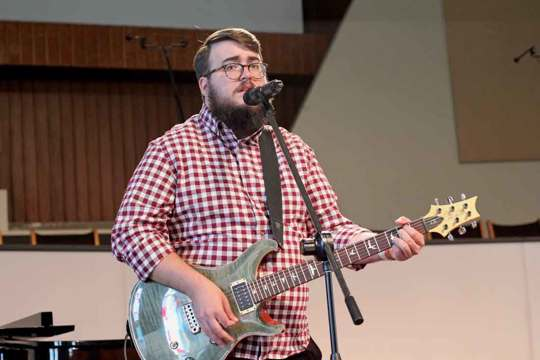 Cody Barnhart is director of music and ministry at First Baptist Church in Alcoa, Tennessee