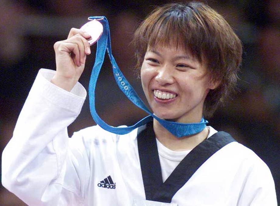 Yoriko Okamoto, the Japanese taekwondo bronze medalist at the Sydney Olympic Games in 2000 and a supporter of FCA Japan