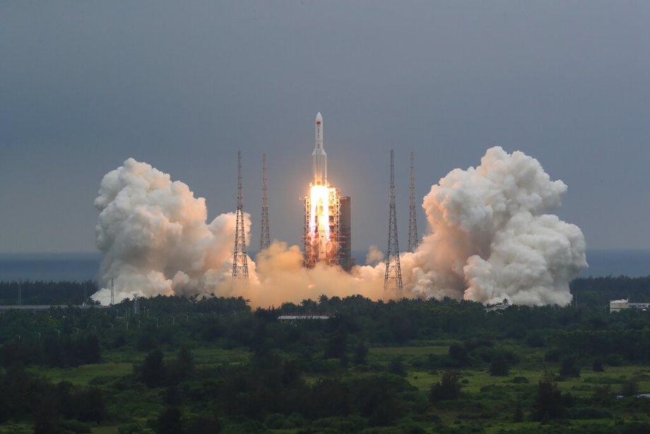 Chinese rocket launch