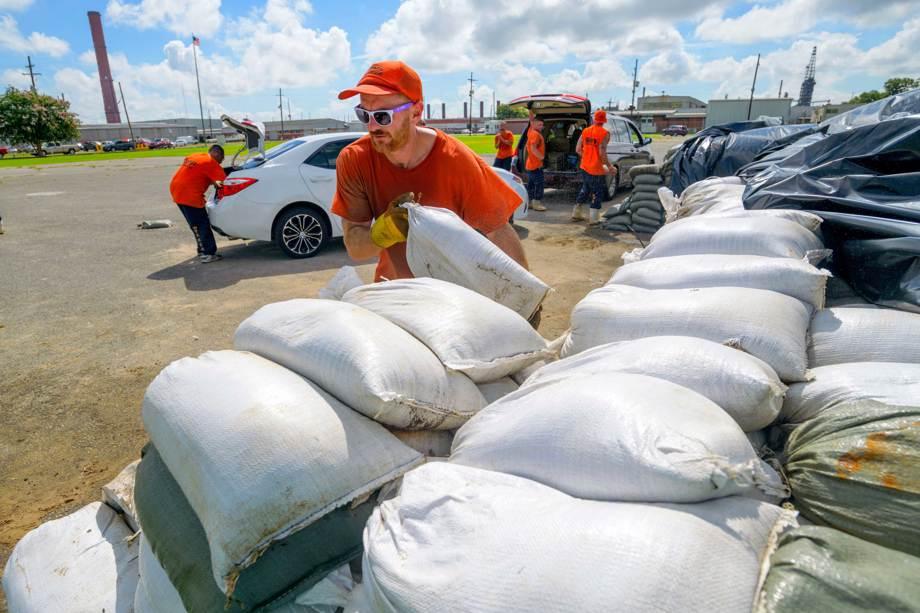 New Orleans braces for floods