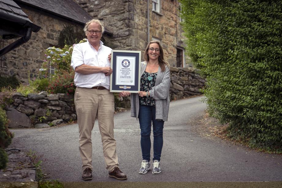 steepest street record holder