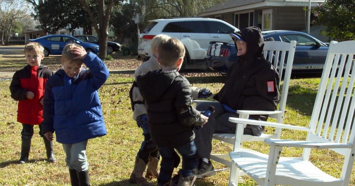 91-Year-Old Man With Dementia Forms Special Bond With Kids Across The Street